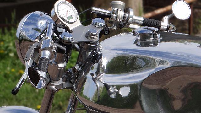 Q-Stall_Motorradwerkstatt_Tank